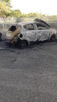 macchina_polizia_penitenziaria_incendiata